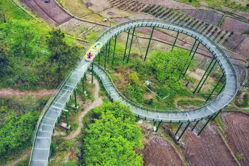 安徽省明堂山景区玻璃水滑道工程