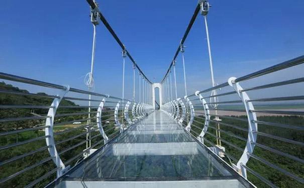 玻璃吊桥安装之后如何保障正常使用及维护