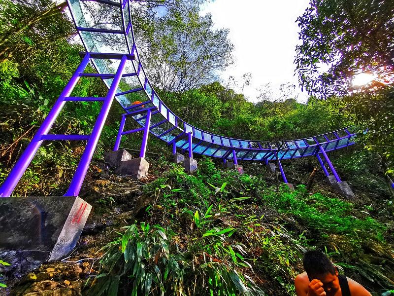 紫霞玻璃漂流_天子地紫龙峡玻璃漂流项目