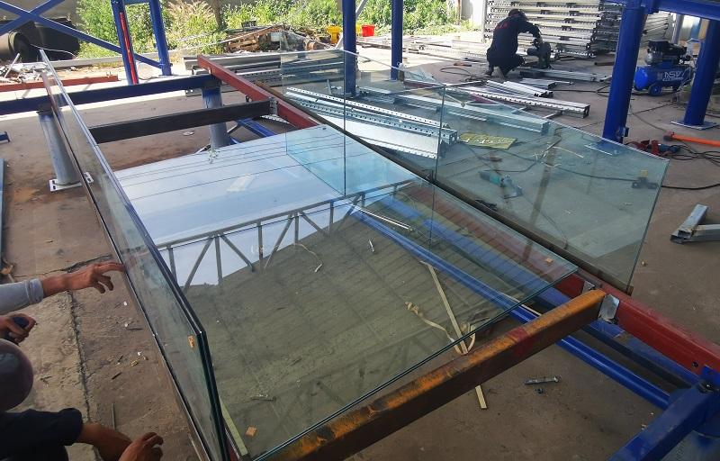 玻璃漂流-zhuangpei式玻璃漂流的tedian